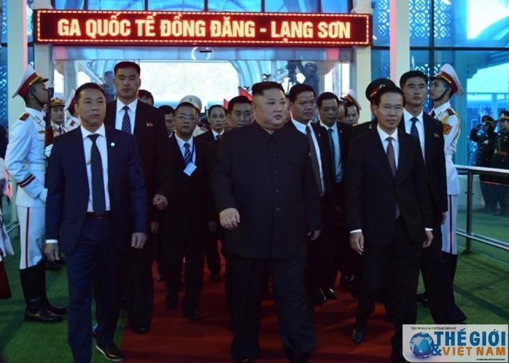 Những hình ảnh Chủ tịch Triều Tiên Kim Jong-un đến Việt Nam - ảnh 11