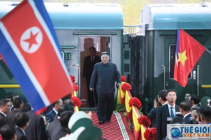 Những hình ảnh Chủ tịch Triều Tiên Kim Jong-un đến Việt Nam - ảnh 13