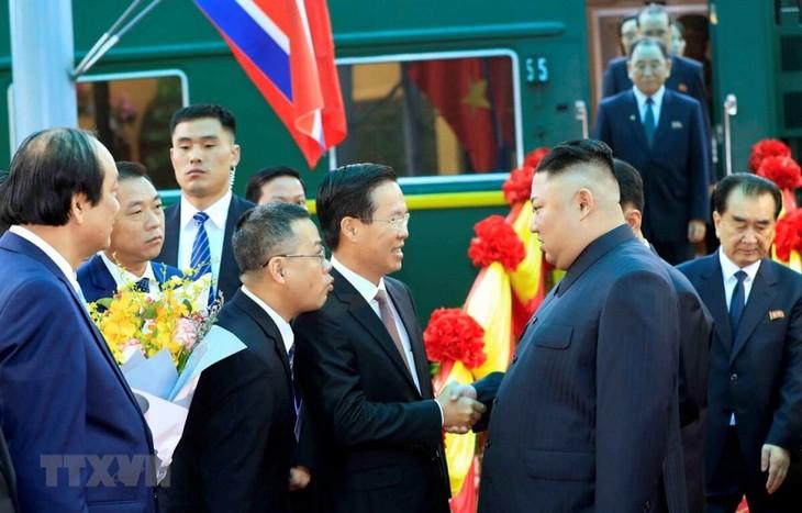 Những hình ảnh Chủ tịch Triều Tiên Kim Jong-un đến Việt Nam - ảnh 12