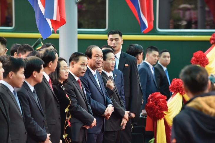 Những hình ảnh Chủ tịch Triều Tiên Kim Jong-un đến Việt Nam - ảnh 15