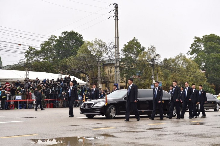 Những hình ảnh Chủ tịch Triều Tiên Kim Jong-un đến Việt Nam - ảnh 5