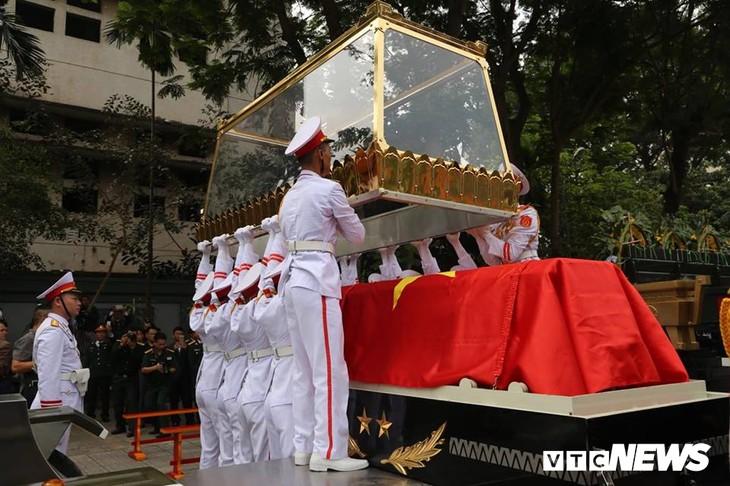 Tiễn đưa vị tướng Trường Sơn huyền thoại về công viên Vĩnh Hằng - ảnh 10