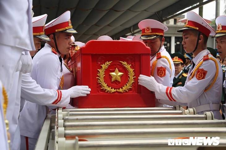 Tiễn đưa vị tướng Trường Sơn huyền thoại về công viên Vĩnh Hằng - ảnh 7