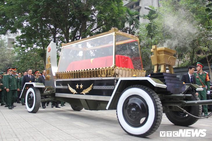 Tiễn đưa vị tướng Trường Sơn huyền thoại về công viên Vĩnh Hằng - ảnh 12