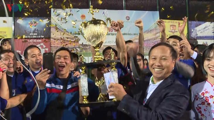Bế mạc giải bóng đá của cộng đồng người Việt tại LB Nga 2019 - ảnh 2