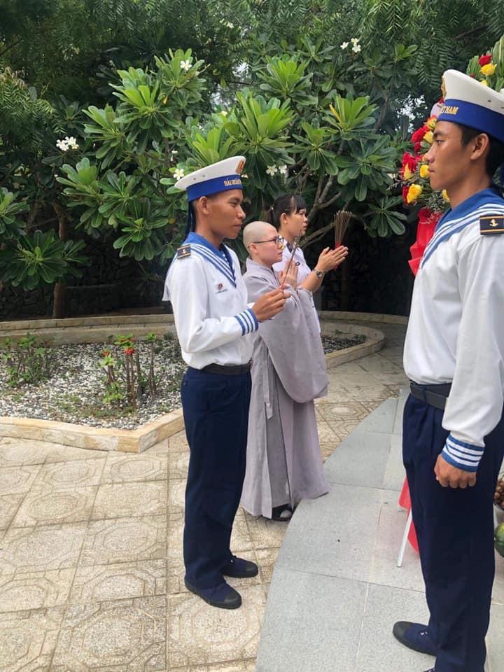 Hội Phật tử Việt Nam tại Hàn Quốc thăm và tặng quà huyện đảo Trường Sa - ảnh 1