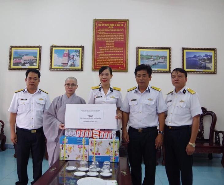 Hội Phật tử Việt Nam tại Hàn Quốc thăm và tặng quà huyện đảo Trường Sa - ảnh 6