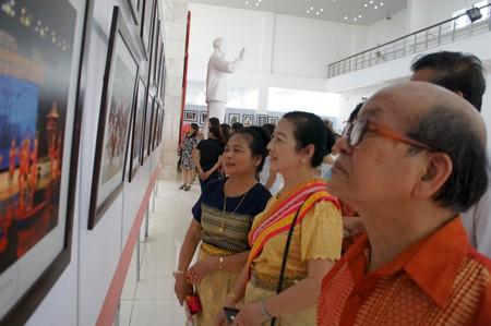 """Tỉnh Nghệ An triển lãm ảnh """"Đất nước Lào tươi đẹp""""  - ảnh 1"""