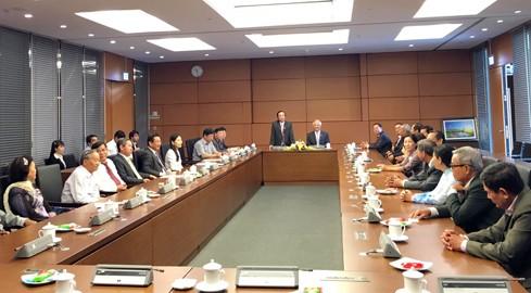 Phó Chủ tịch Quốc hội Uông Chu Lưu tiếp Đoàn đại biểu Quốc hội tỉnh Đồng Tháp các khóa - ảnh 1