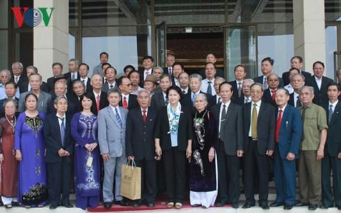 Chủ tịch Quốc hội Nguyễn Thị Kim Ngân tiếp Đoàn cán bộ hưu trí tỉnh Thái Bình - ảnh 1