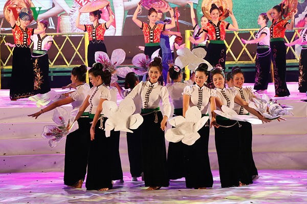 Thousands of people attend Muong Lo Festival  - ảnh 1