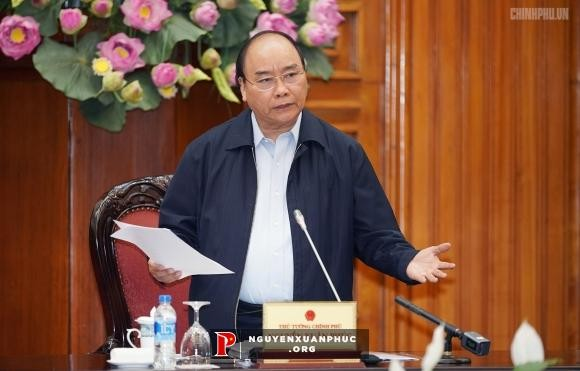 Government seeks ways to boost production, business - ảnh 1