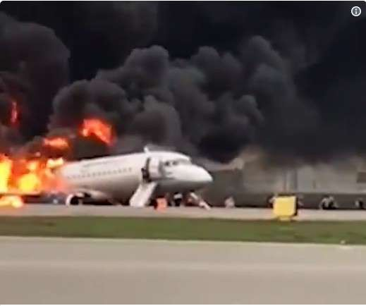 41 reported killed when Russian aircraft catches fire - ảnh 1