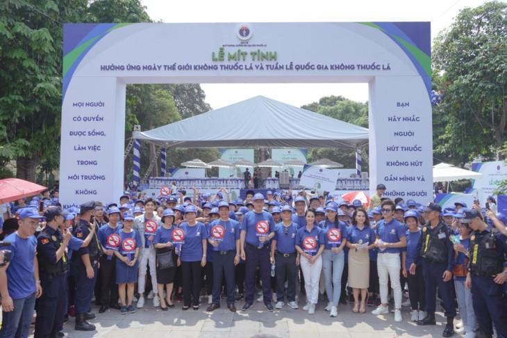 Vietnamese join hands to build smoke-free world - ảnh 1