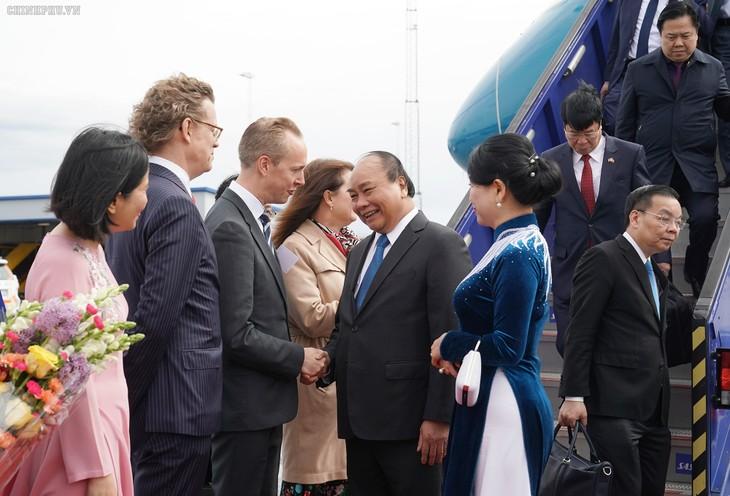 Prime Minister begins official visit to Sweden - ảnh 1