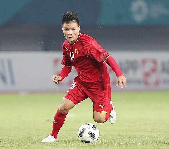 Vietnamese midfielder among top 6 Asian footballers ready to play in Europe - ảnh 1