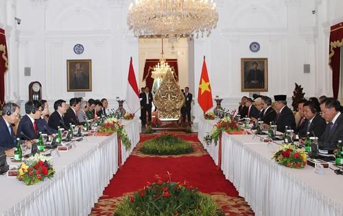 เวียดนามและอินโดนีเซียออกแถลงการณ์ร่วม - ảnh 1