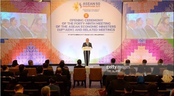 ASEAN thúc đẩy kinh tế, đầu tư và hội nhập thương mại  - ảnh 1