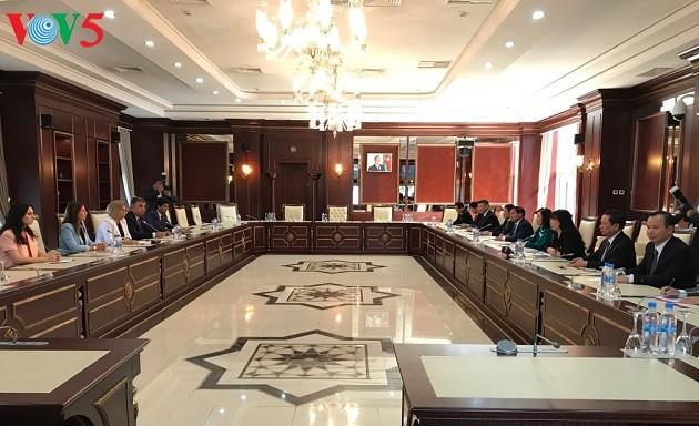 Đoàn đại biểu Đảng Cộng sản Việt Nam thăm làm việc Azerbaijan - ảnh 2