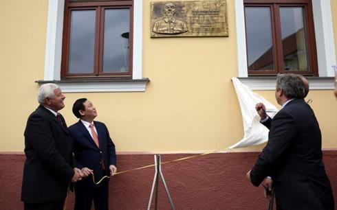Phó Thủ tướng Vương Đình Huệ thăm làm việc tại Slovakia - ảnh 1