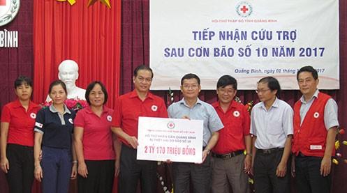 Hội chữ Thập đỏ Việt Nam gây quỹ được hơn 20 tỷ đồng ủng hộ 6 tỉnh miền Trung bị bão lũ - ảnh 1