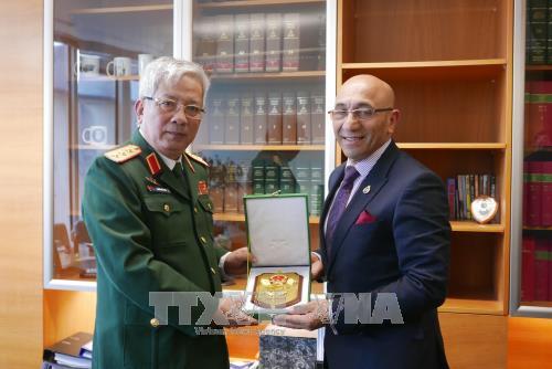 Tăng cường hợp tác quốc phòng Việt Nam - New Zealand - ảnh 1