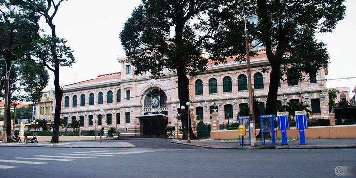 Bưu điện Trung tâm Sài gòn, công trình kiến trúc đặc biệt ở thành phố Hồ Chí Minh - ảnh 1