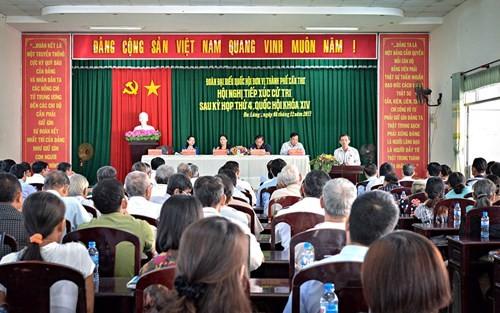 Chủ tịch Quốc hội Nguyễn Thị Kim Ngân tiếp xúc cử tri thành phố Cần Thơ - ảnh 1