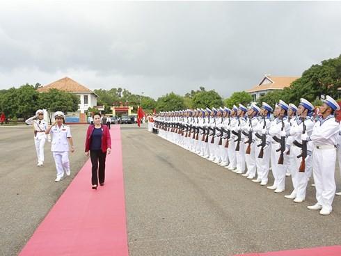 Chủ tịch Quốc hội  Nguyễn Thị Kim Ngân thăm các đơn vị hải quân - ảnh 1