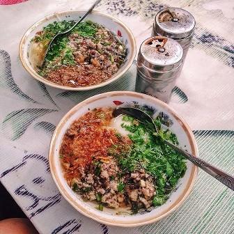 Ấm áp hương vị bánh đúc nóng mùa Đông Hà Nội - ảnh 2