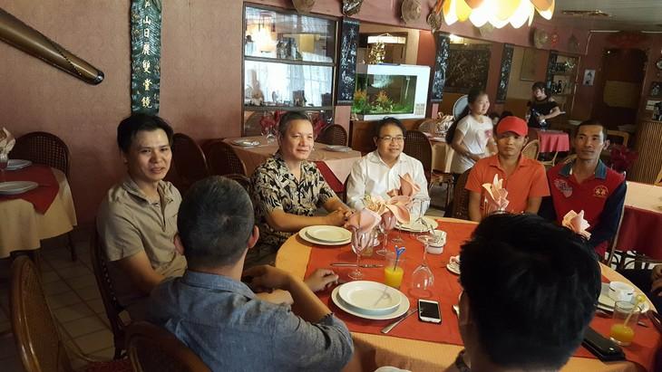 Đại sứ quán Việt Nam gặp mặt cộng đồng người Việt tại Mali - ảnh 4