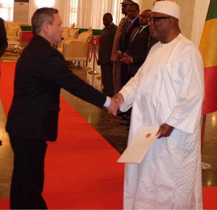 Đại sứ Việt Nam trình quôc thư tại Mali - ảnh 2
