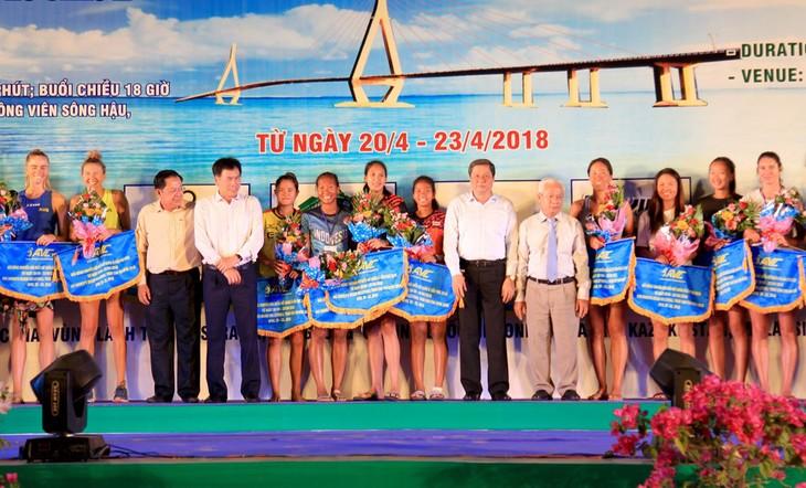 Khai mạc Giải Bóng chuyền bãi biển nữ châu Á năm 2018 - ảnh 1