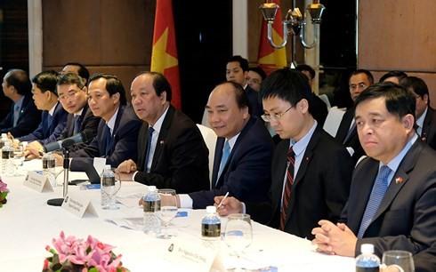 Thủ tướng Nguyễn Xuân Phúc gặp gỡ cộng đồng người Việt tại Singapore - ảnh 1