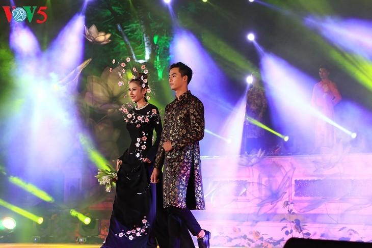 Trình diễn áo dài tại Festival Huế 2018 - ảnh 4
