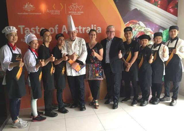 Đầu bếp Tracey Lister: Ẩm thực Việt ngày càng mê hoặc tôi - ảnh 2