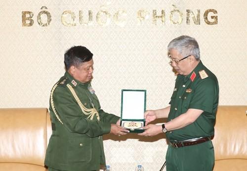 Việt Nam coi trọng quan hệ hợp tác quốc phòng với Myanmar  - ảnh 1
