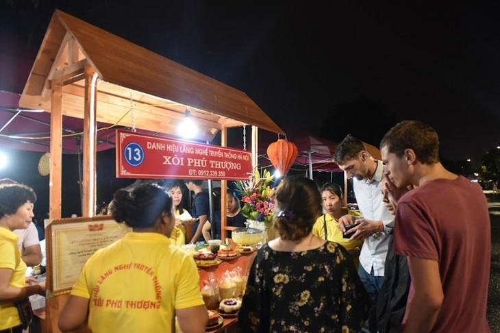 Phố đi bộ Trịnh Công Sơn, không gian văn hóa, nghệ thuật mới ở Hà Nội - ảnh 3