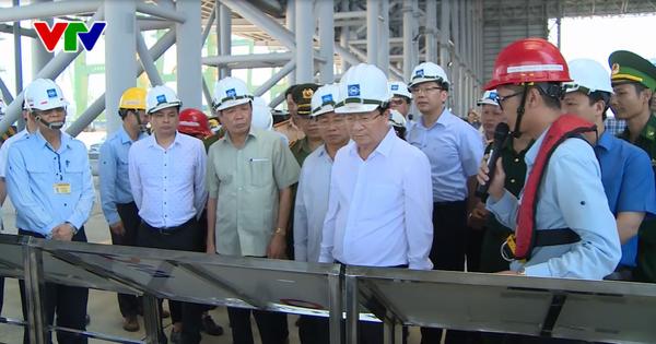 Phó Thủ tướng Trịnh Đình Dũng kiểm tra công tác chuẩn bị vận hành thử nghiệm lò cao số 2 của Fomosa  - ảnh 1