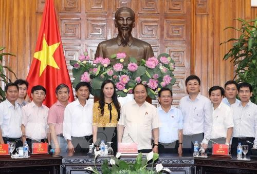 Thủ tướng Nguyễn Xuân Phúc làm việc với lãnh đạo chủ chốt tỉnh Quảng Ngãi - ảnh 1
