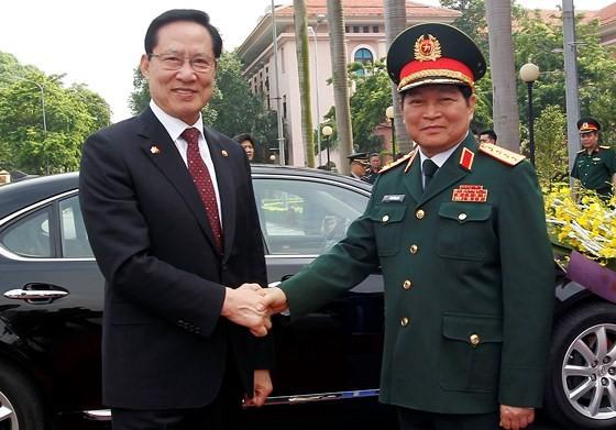 Hàn Quốc coi trọng vị thế, vai trò trung tâm của Việt Nam trong ASEAN - ảnh 1