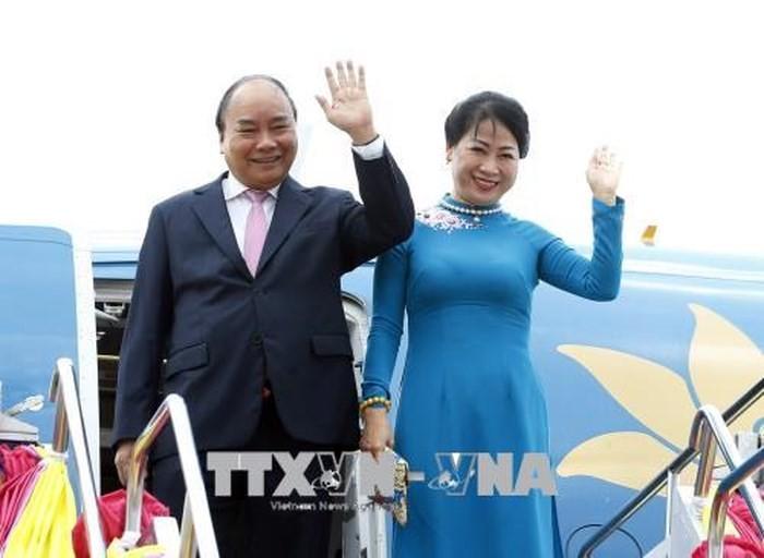 Thủ tướng Nguyễn Xuân Phúc bắt đầu chương trình tham dự Hội nghị cấp cao ACMECS 8 và CLMV 9 - ảnh 1