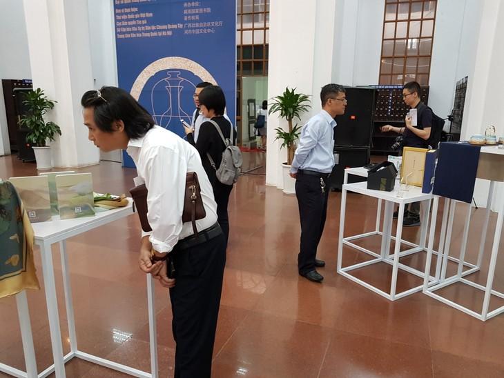 Khai mạc triển lãm sản phẩm văn hóa thành phố Nam Kinh, Trung Quốc - ảnh 1
