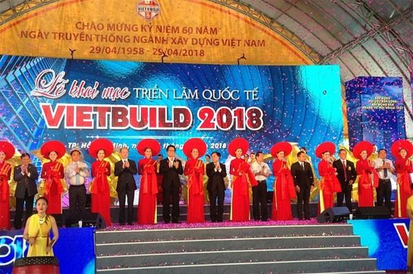Gần 800 doanh nghiệp tham gia triển lãm Vietbuild 2018 - ảnh 1