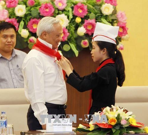 Phó Chủ tịch Quốc hội Uông Chu Lưu gặp mặt Đoàn cán bộ Đội, thiếu nhi xuất sắc tỉnh Bắc Kạn - ảnh 1