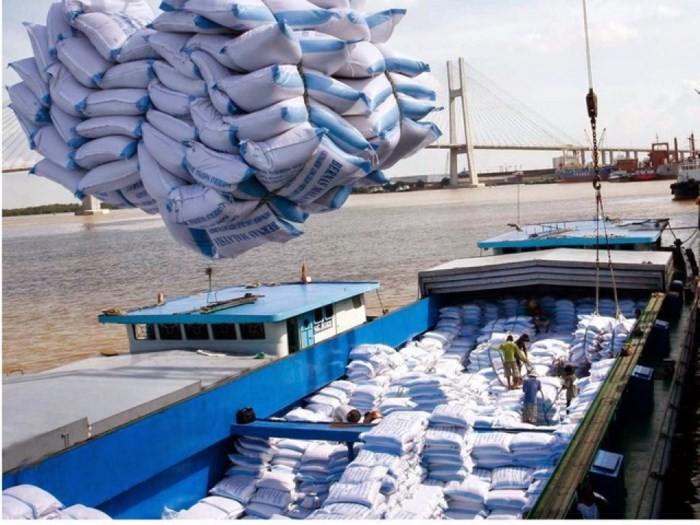 Kim ngạch hàng hóa xuất khẩu 6 tháng đầu năm ước đạt gần 114 tỷ USD - ảnh 1