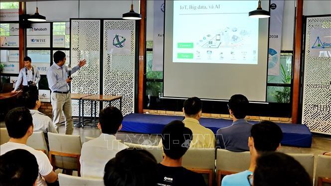 Doanh nghiệp Việt Nam học hỏi kinh nghiệm thế giới về phát triển công nghệ trí tuệ nhân tạo  - ảnh 1