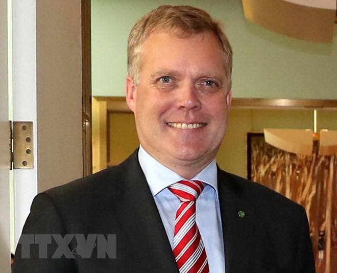 Chủ tịch Hạ viện Australia bắt đầu thăm chính thức Việt Nam - ảnh 1