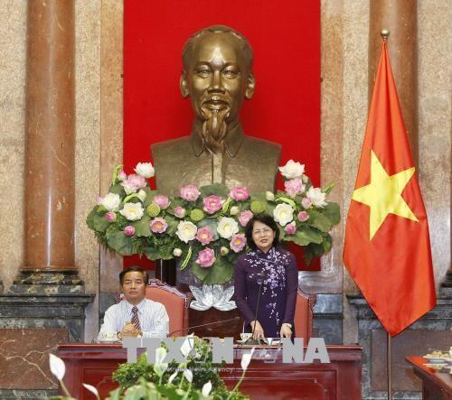 Phó Chủ tịch nước Đặng Thị Ngọc Thịnh tiếp Đoàn đại biểu người có uy tín trong đồng bào các dân tộc  - ảnh 1