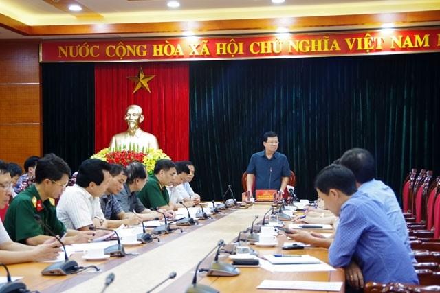 Phó Thủ tướng Trịnh Đình Dũng chỉ đạo công tác khắc phục sạt lở nghiêm trọng tại tỉnh Hòa Bình  - ảnh 1